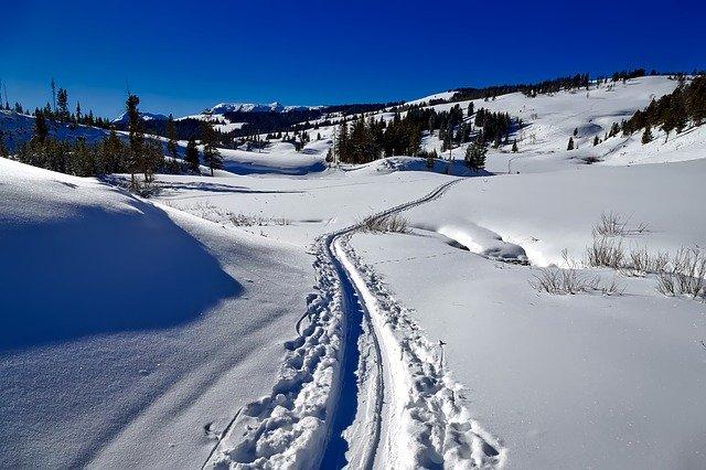 sníh v horách