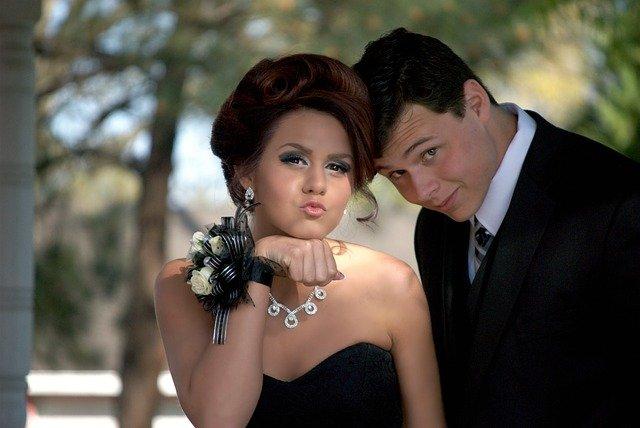 teenageři na plese