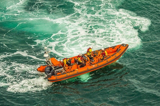 záchranářský člun