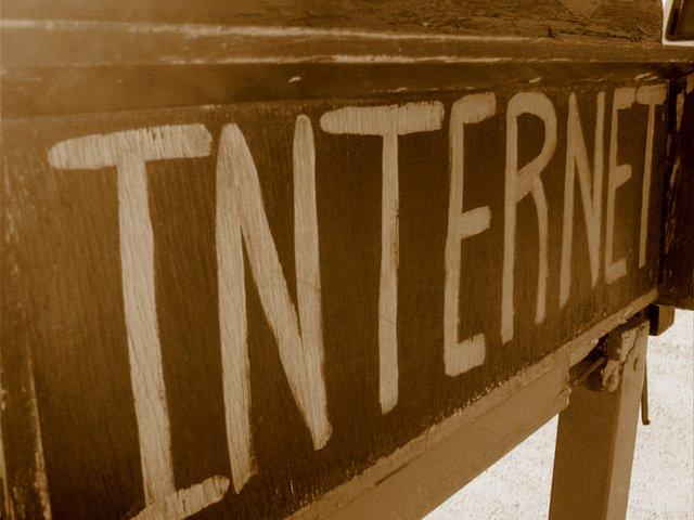 nápis internet