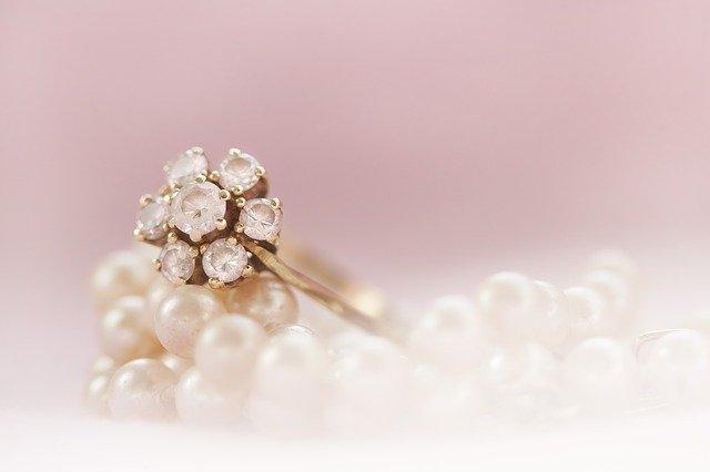 perly a prsten