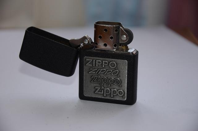 zippo s nápisy