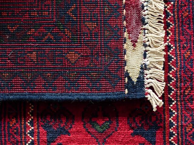 perský koberec klasického vzoru